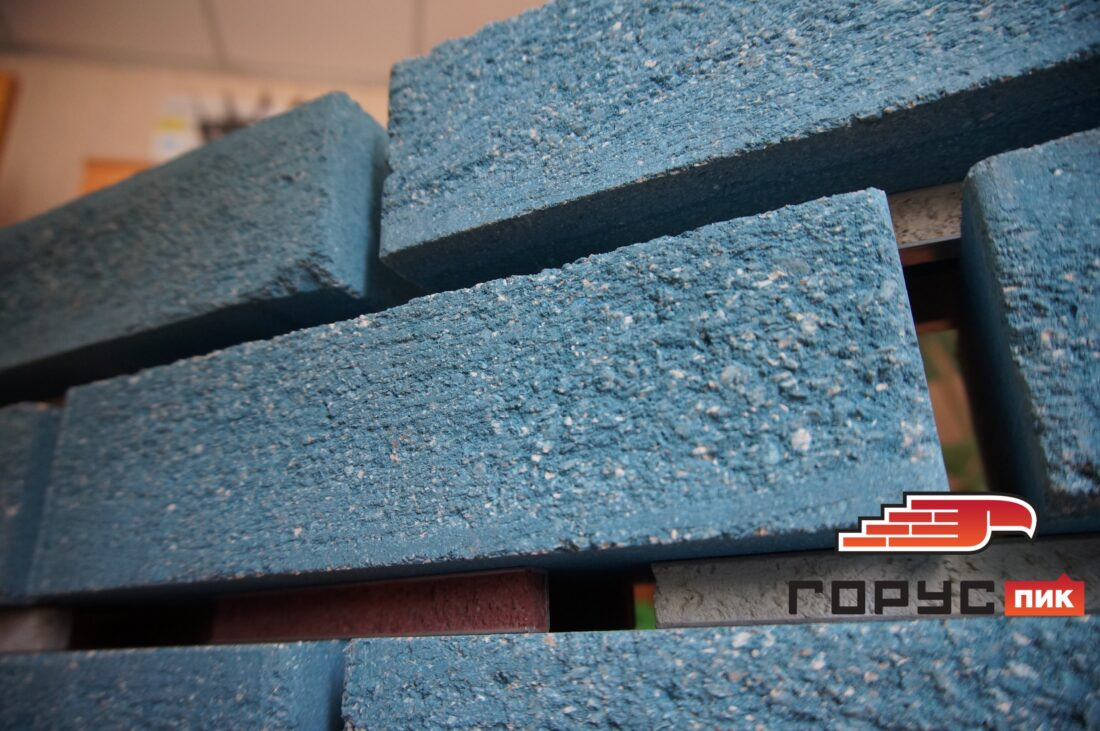 """Мало кто знает тот факт, что в ассортименте компании """"Горус"""" имеется не просто один синий цвет, а целых шесть цветов, от голубого до насыщенного синего оттенка!"""